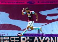 Trezeguet Aston Villa Crystal Palace